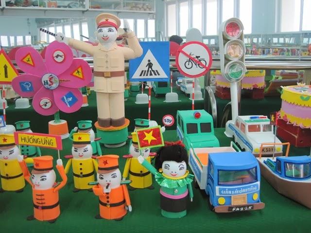 Hướng dẫn cách làm đồ chơi từ phế liệu rác tái chế