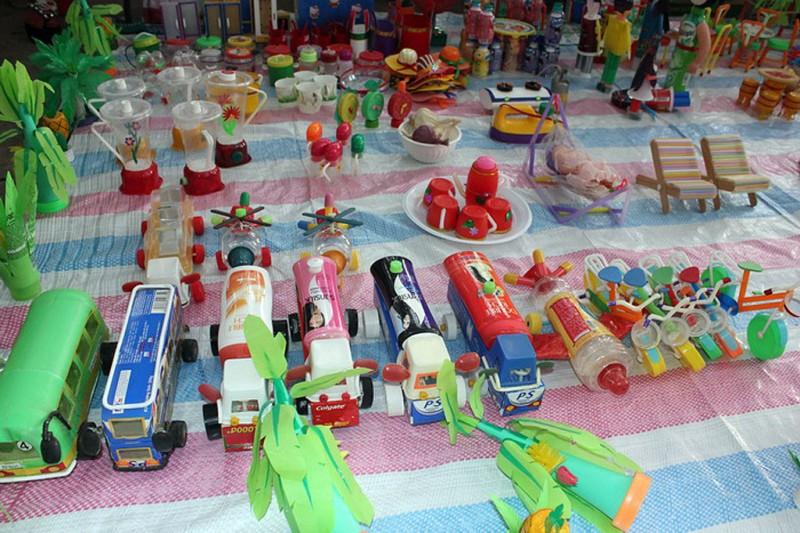 Hướng dẫn cách làm đồ chơi từ phế liệu rác tái chế - Đẹp