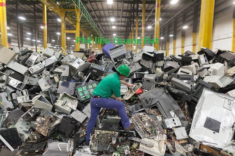 Công ty chuyên mua phế liệu bo mạch điện tử, phế liệu điện tử tận nơi giá cao uy tín nhất Việt Nam - Phế liệu Quang Đạt