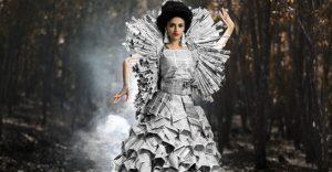 Tái chế giấy thành những trang phục diễn thời trang - Công ty Phế liệu Quang Đạt