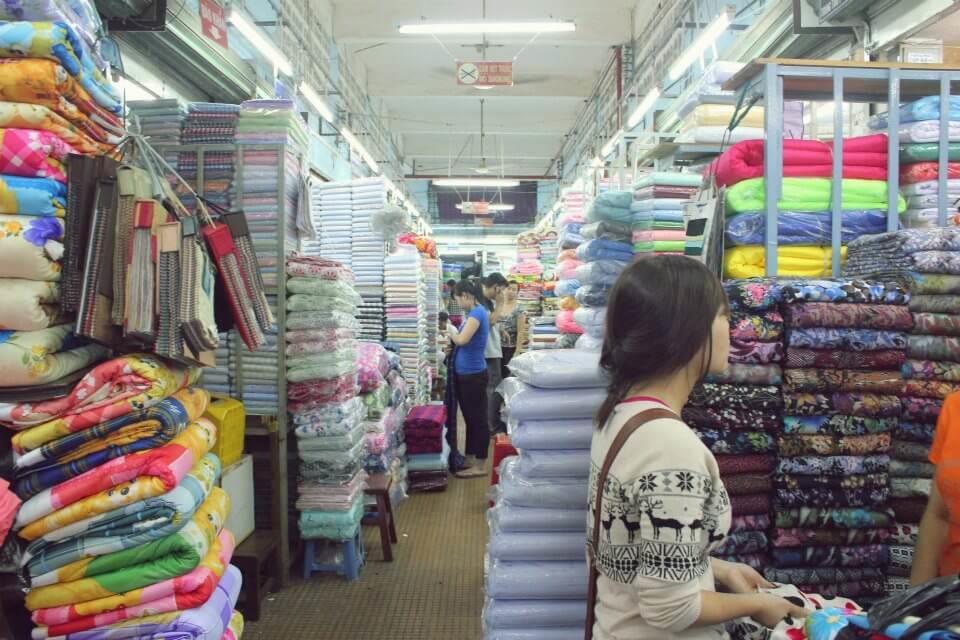 Chợ Đại Quang Minh chuyên bán các phụ liệu may mặc - Công ty Phế Liệu Quang Đạt
