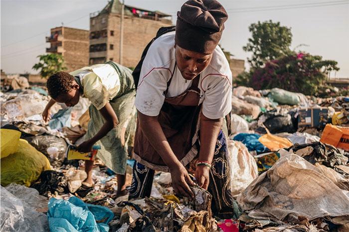 Đây không phải là trách nhiệm của riêng một cá nhân hay tổ chức nào mà đây là trách nhiệm, là nhiệm vụ của tất cả mọi người. Hành tinh của chúng ta đang cất những tiếng kêu cầu khẩn thiết trước lúc nó hoàn toàn ngập ngụa trong phế liệu và rác thải.
