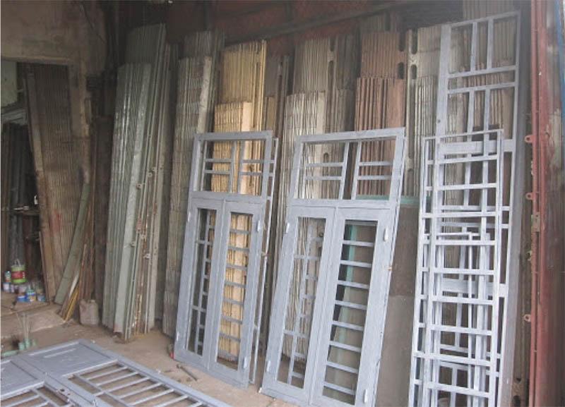 Thu mua phế liệu cửa sắt cũ giá cao tại Quang Đạt