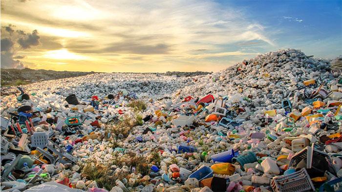 Bãi rác thải nhựa