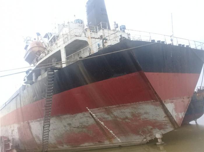 Quang Đạt thu mua tàu phế liệu với giá cao